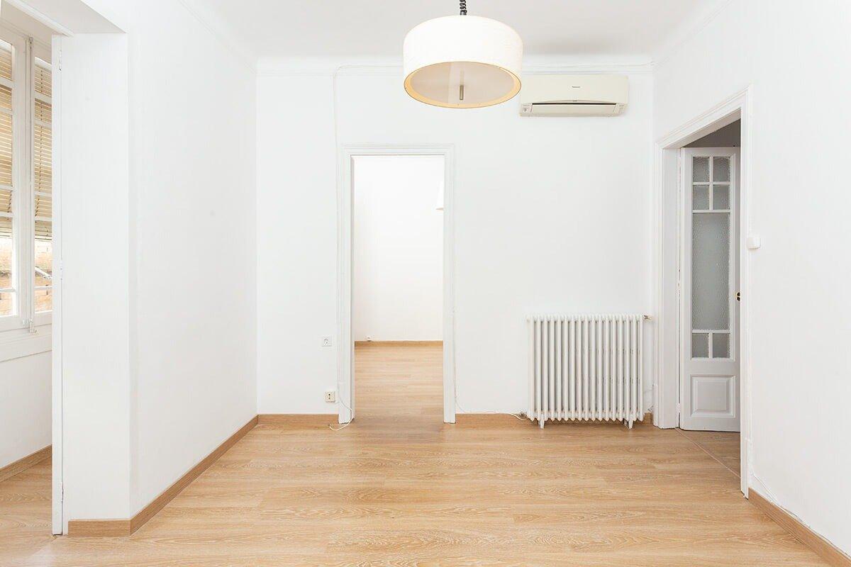 Alquila un piso de cuatro habitaciones en Eixample Finques Marbà